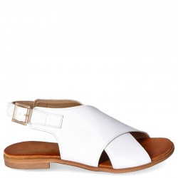 Białe sandałki Bellis