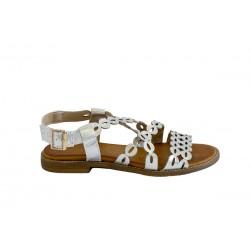 Srebrne ażurowe sandałki