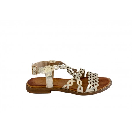 Złote ażurowe sandałki